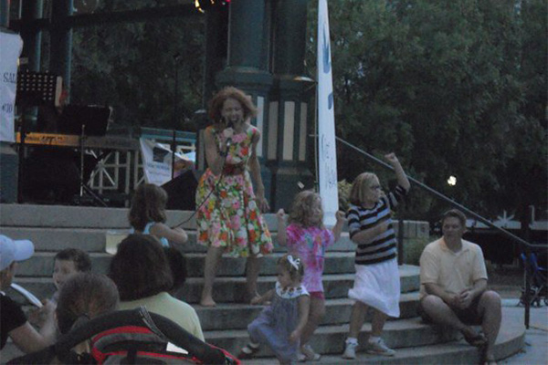 Decatur-Arts-Festival-With-Gwen-Hughes